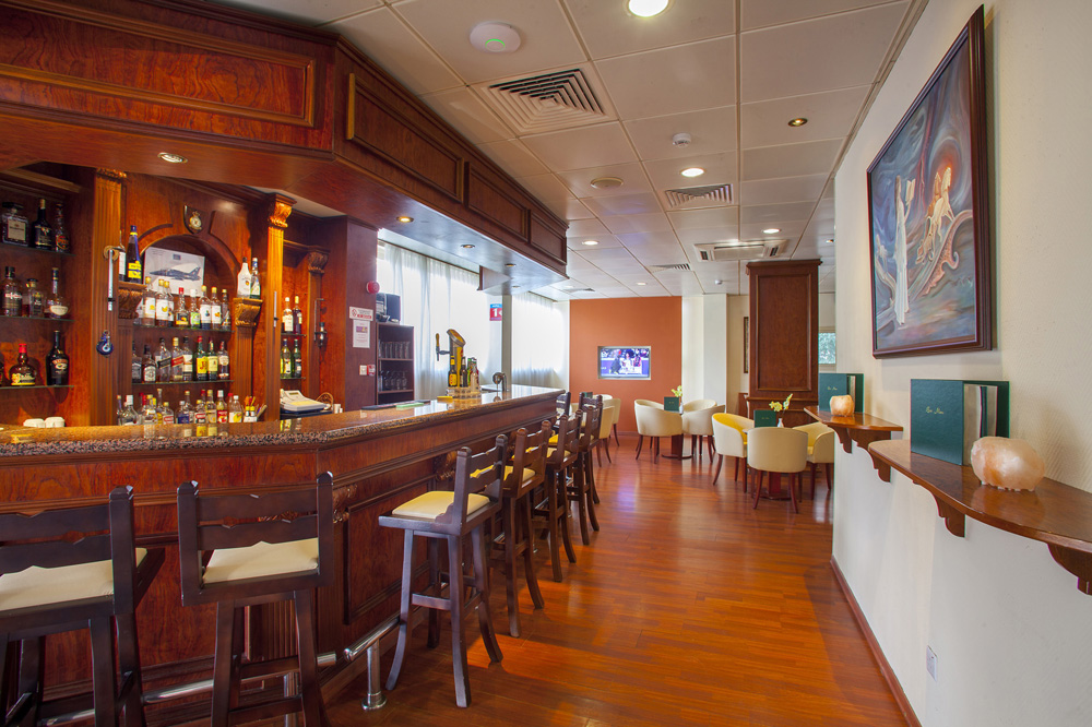 Kapetanios Limassol Hotel - Anchor Bar