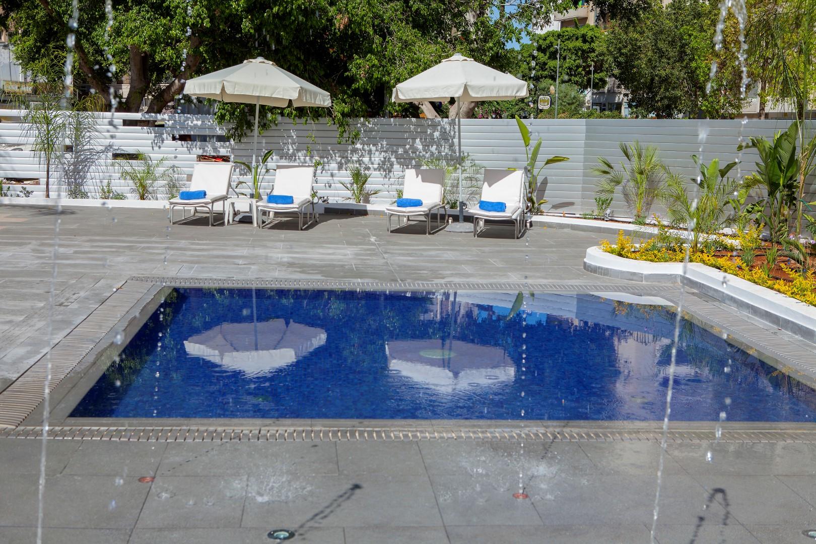 Leisure kapetanios hotels for International pool and spa show 2016