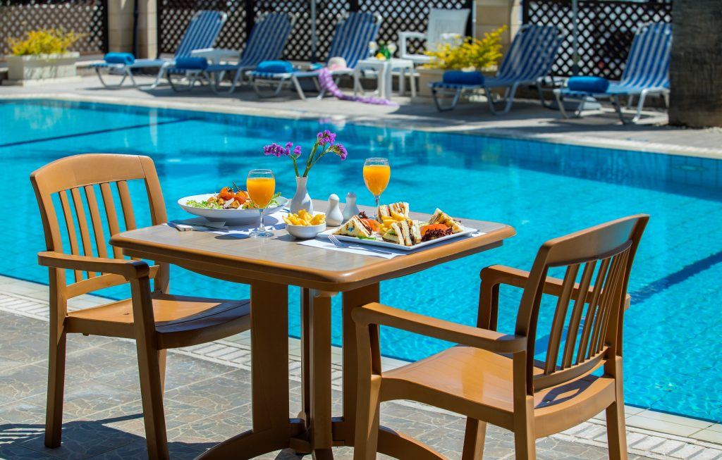 Kapetanios Limassol Hotel - Pool Bar