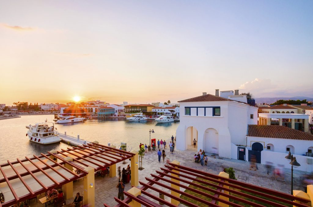 Kapetanios Limassol Hotel - 20 minutes walking distance from Limassol Marina